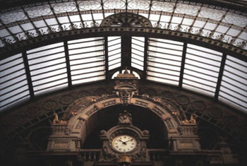 The clocks of Austerlitz II – The shape of time