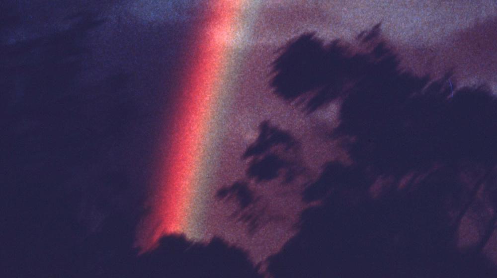 At Uluru (Corinne y Arthur Cantrill, 1977)