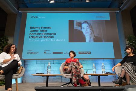 Edurne Portela, Janne Teller i Karolina Ramqvist en conversa amb Najat el Hachmi