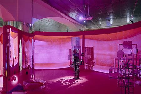 Reportatge de l'exposició «1.000 m2 de desig. Arquitectura i sexualitat»