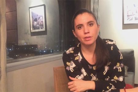 Javiera Mena recomana «Joven y alocada» de Marialy Rivas