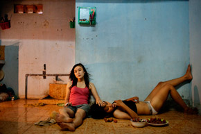 Maika Elan, Vietnam, Most. La opció rosa, Vietnam