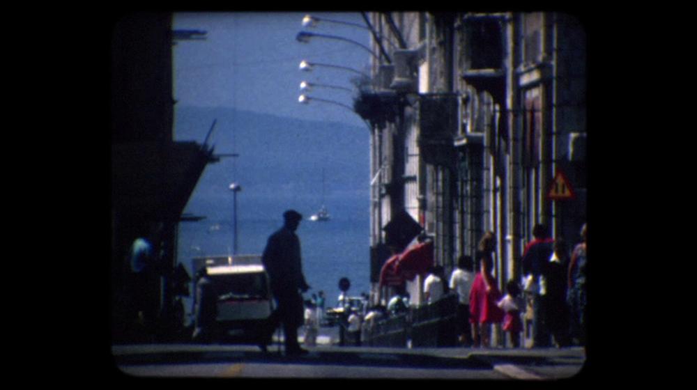 Zrcalo (Luka Bezić, 1987)