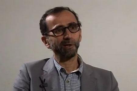 """Nicholas Mirzoeff: """"Internet no ens dóna la democràcia però sí és potencialment democràtic"""""""