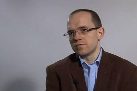 """Evgeny Morozov: """"Hi ha molta gent que sobreestima el potencial democràtic d'Internet"""""""