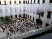Audience of the Per Laberints exhibition at the Pati de les Dones