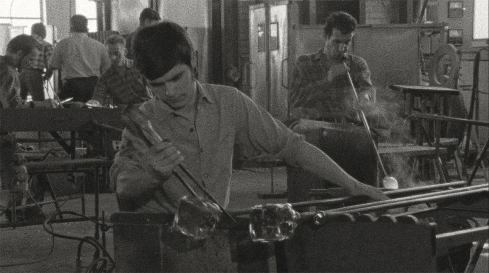 How to make glass manually (Peter Nestler, 1970)