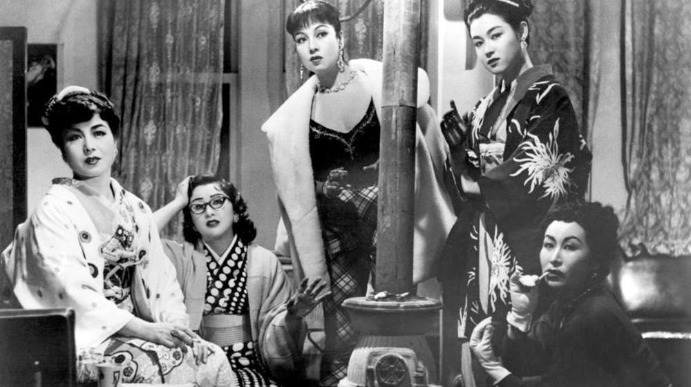 Las actrices Aiko Mimasu, Michiyo Kogure, Machiko Kyo, Ayako Wakao y Hiroko Machida en «Akasen Chitai/La calle de la vergüenza» (Kenji Mizoguchi, 1956)