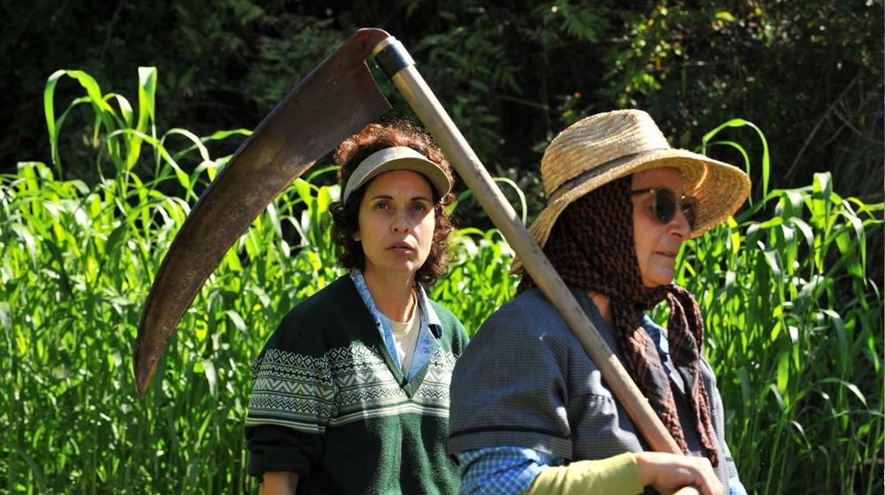 Adriana Ozores y Petra Martínez en «Nacidas para sufrir» (Miguel Albaladejo, 2009)