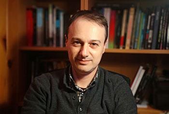 Óliver Pérez Latorre