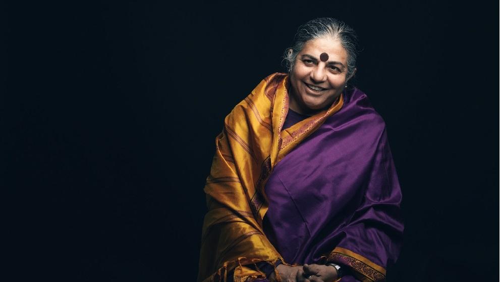 "Ralf Luethy | Fotograma del documental ""Vandana Shiva on Sustainability"""