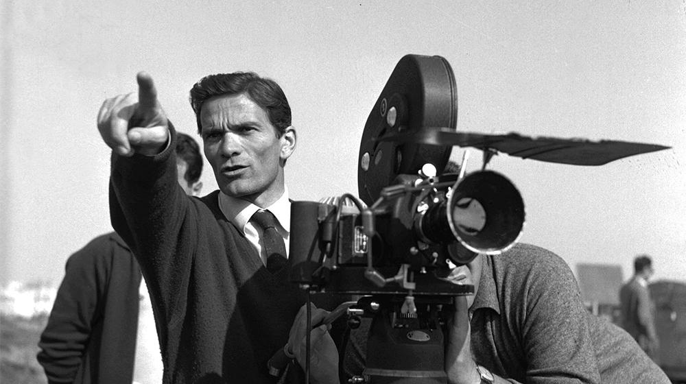 Pasolini durante el rodaje de La Ricotta (1962) © Archivi FARABOLA