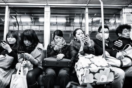 Què t'agradaria saber sobre la relació dels joves amb Internet i la privacitat?