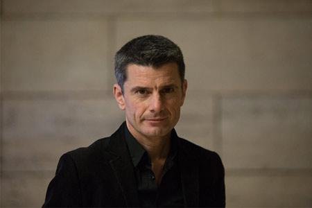 Pedro Olalla: «La mentalidad política tiene mucho más que ver con las vivencias de cada generación que con la edad»