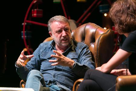 Peter Hook amb Agnès Marquès