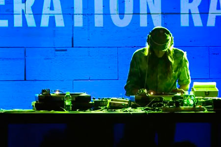 Emergència! 2015. Reverberation Radio