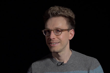 Daniel Tammet: «A menudo ignoramos hasta dónde somos capaces de llegar, hasta que no lo probamos»
