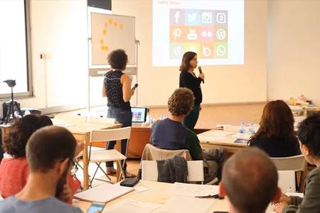 Univers Internet #3. Xarxes socials i acció comunitària